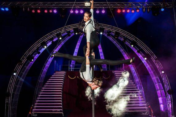 Female duo acrobats for corporate event