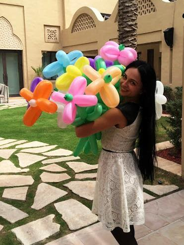 Balloon twister for themed parties