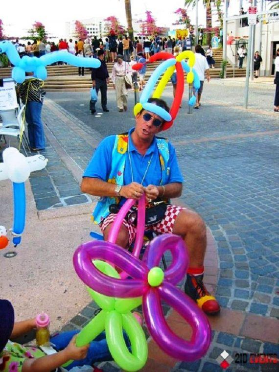 Balloon twister for birthday parties