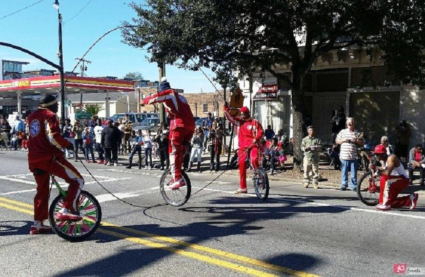 Bicycle jumping rope act for festivals