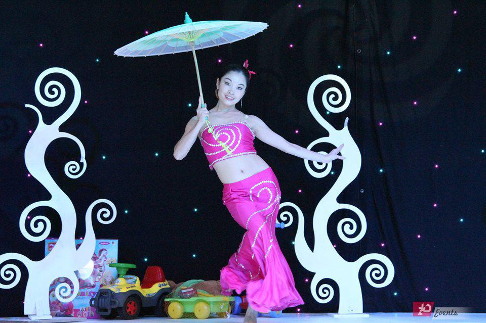 Chinese umbrella dance for themed occasions