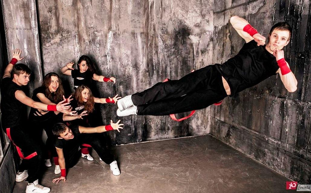 Dance & acrobatic squad for street events