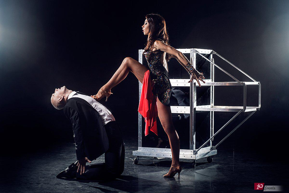 Dancing illusion show for VIP parties