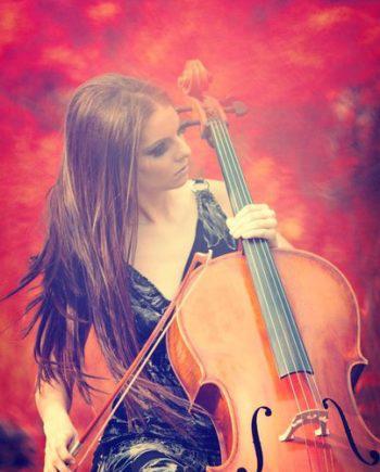 Female cellist in Dubai