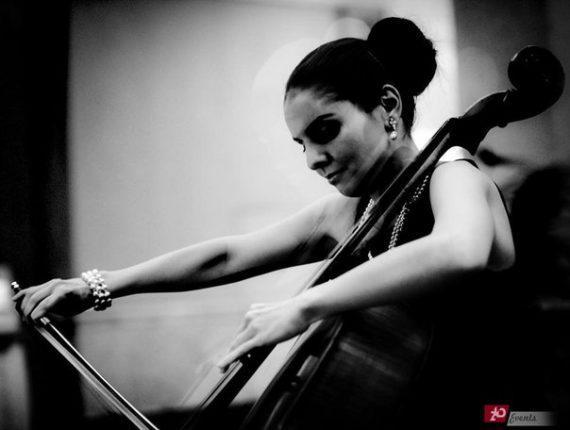 Female cellist for weddings