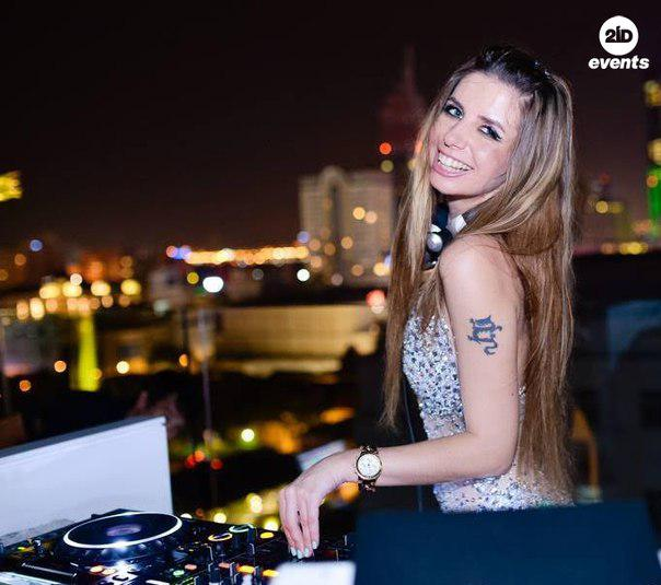 Female DJ for open air events