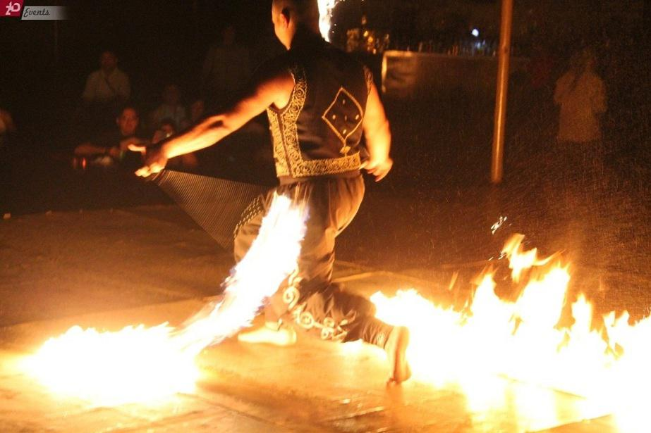 Fire show for outdoor occasions