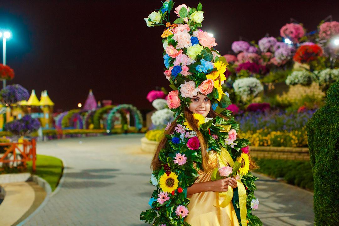 Flower girl for festivals