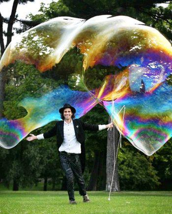 Giant bubble show in Dubai