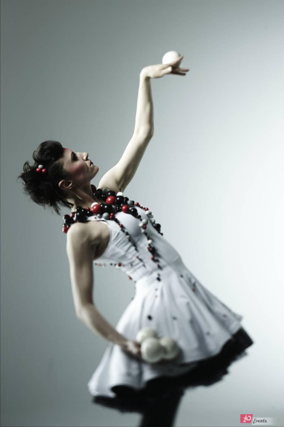Juggling ballerina for themed party