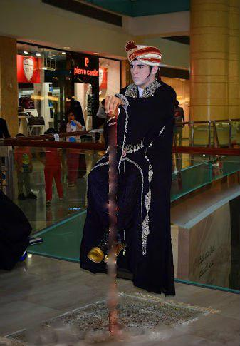Levitation statue for gala dinner