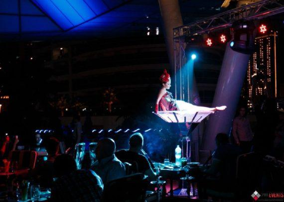 Martini glass performance for gala dinners