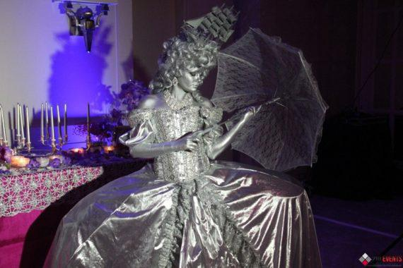Silver living statues for public events
