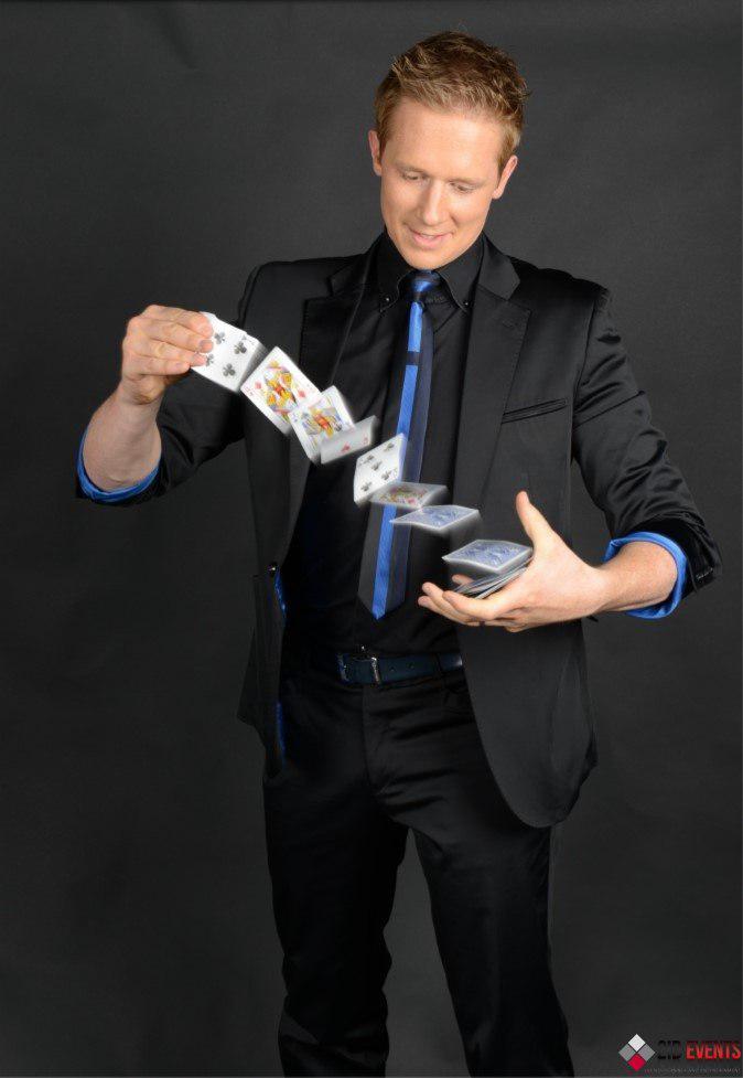 Magician From The Crystal Visions Tarot: ROAMING MAGICIAN IN DUBAI