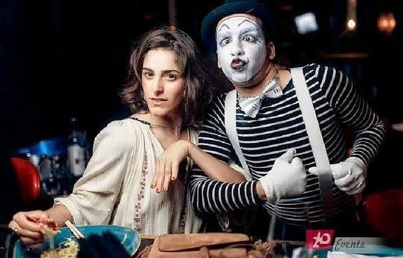Mime artist for family occasions