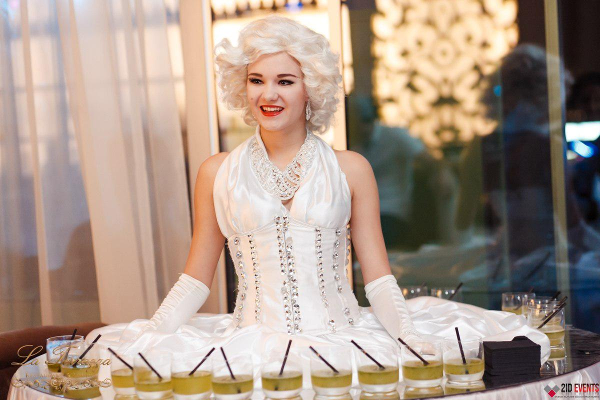 White walking table lady for anniversaries