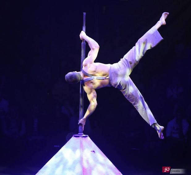 Acrobat duo – flag for sport events