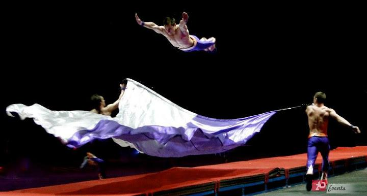 Airtrack acrobats for sport events