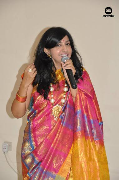 Bilingual MC & Hindi singer for gala dinners
