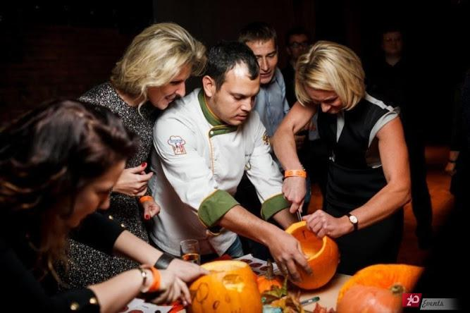 Carving master for public events