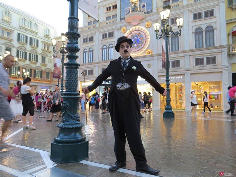 Charlie Chaplin show for themed parties