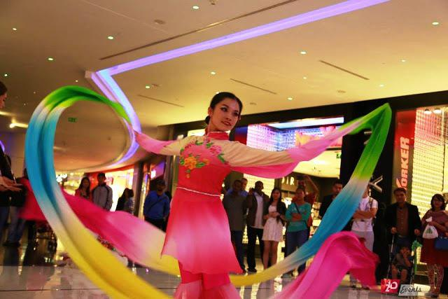 Chinese ribbon dance solo for mall activities
