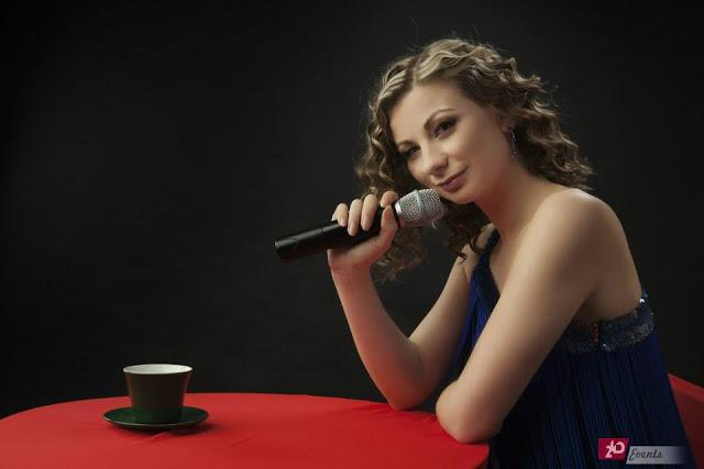 Cover singer for private events