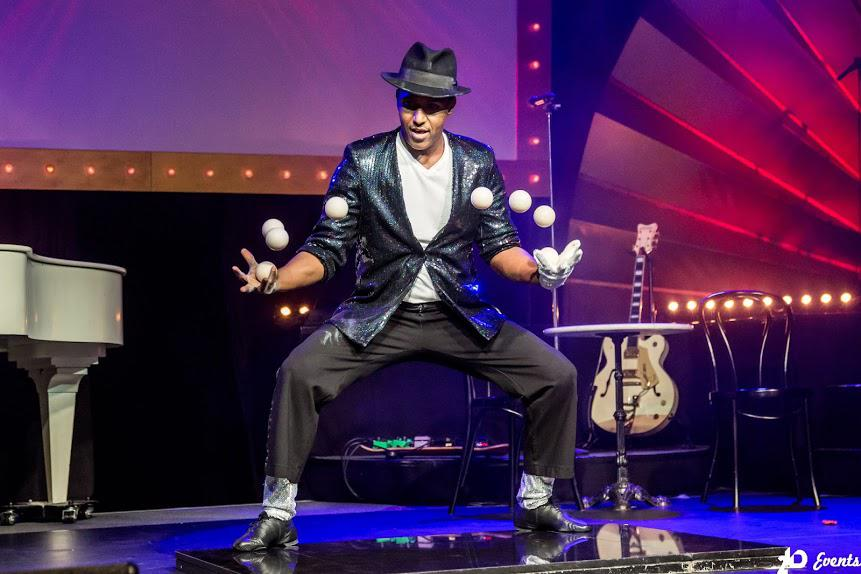 Juggling performance for festivals