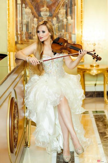 String violinist for corporate events