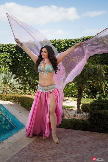 Belly dancer Ana for corporate events