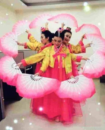 Chinese fan dancers in Dubai