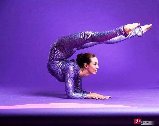 Contortionist for gala dinners