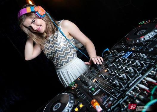 DJ Anya for night club parties