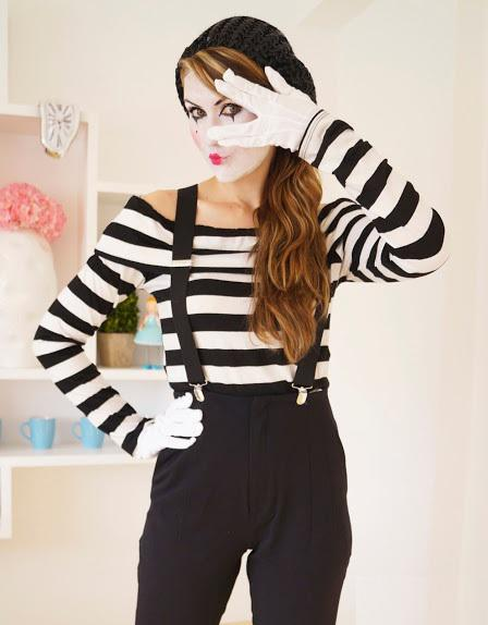 female mime in the uae 2id events. Black Bedroom Furniture Sets. Home Design Ideas