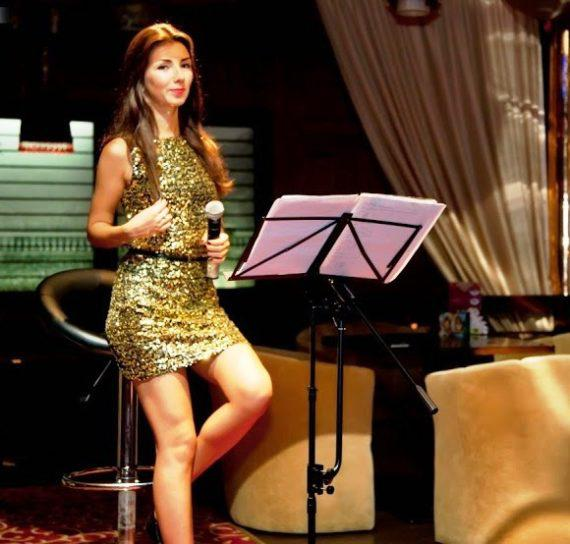 Solo singer for gala dinners