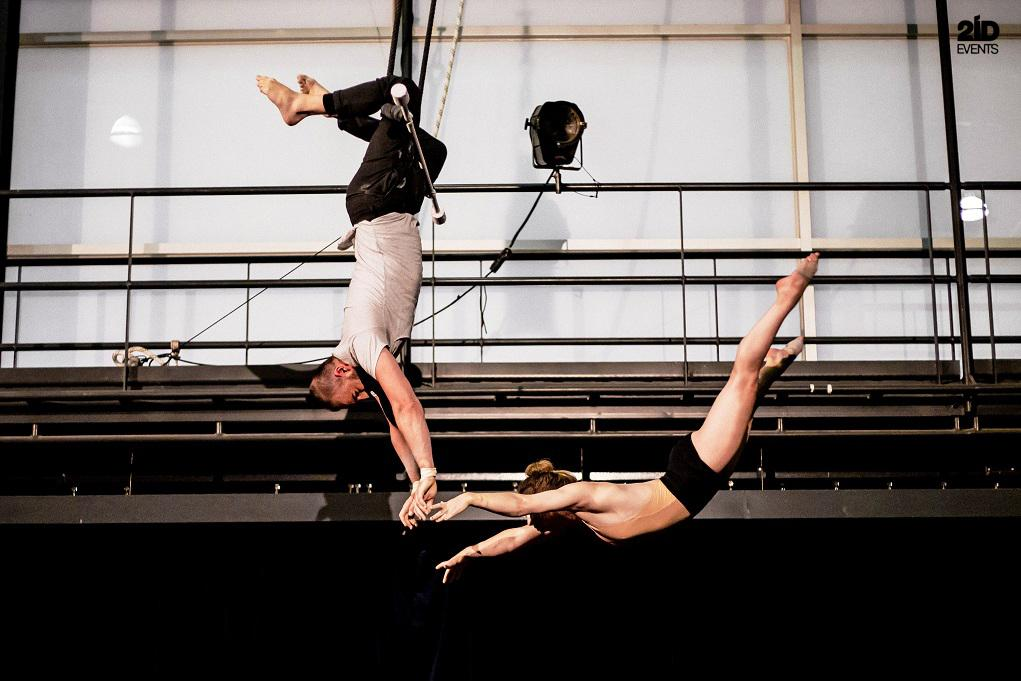 Duo trapeze for private events