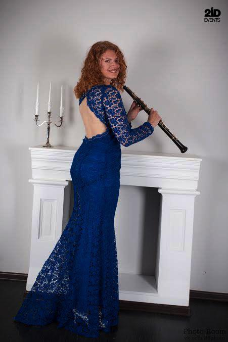 Female oboe player for special events