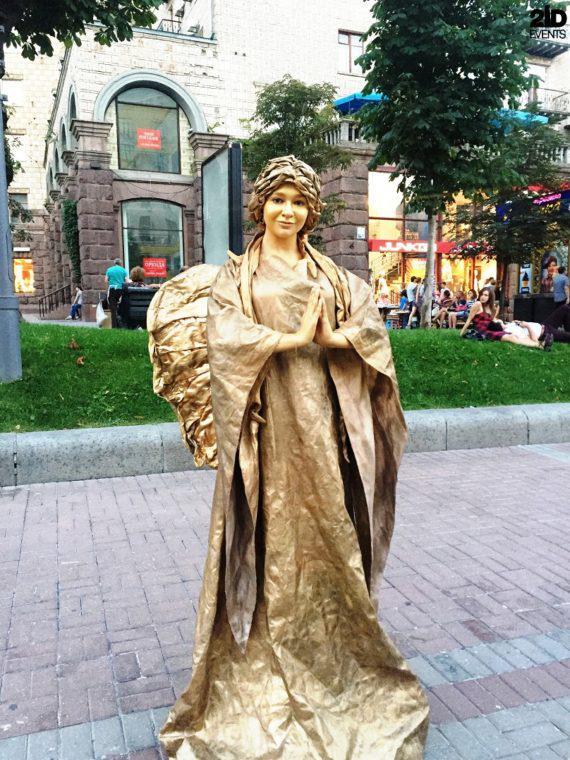 Living statues for festivals