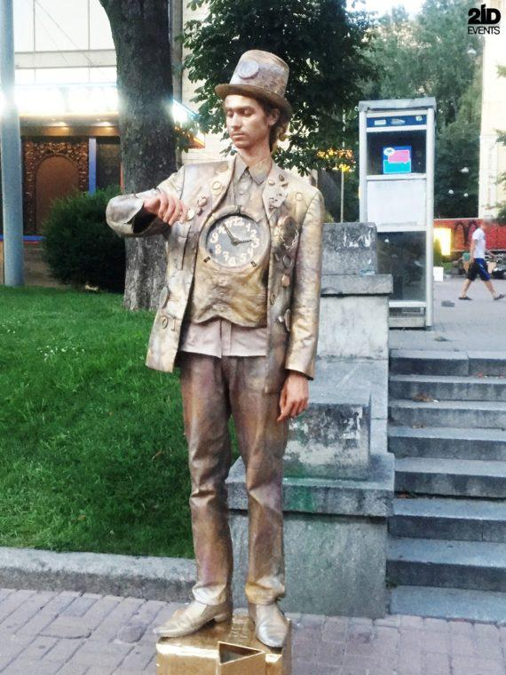 Living statues for street events