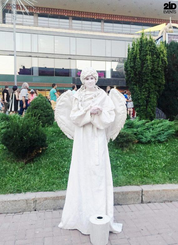 Living statues for special events