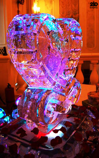 Ice sculpture for themed events