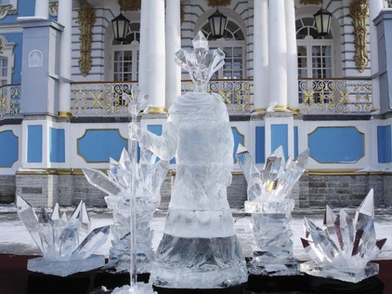 Ice sculpture for street events