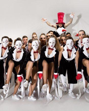 Dance Crew in the UAE