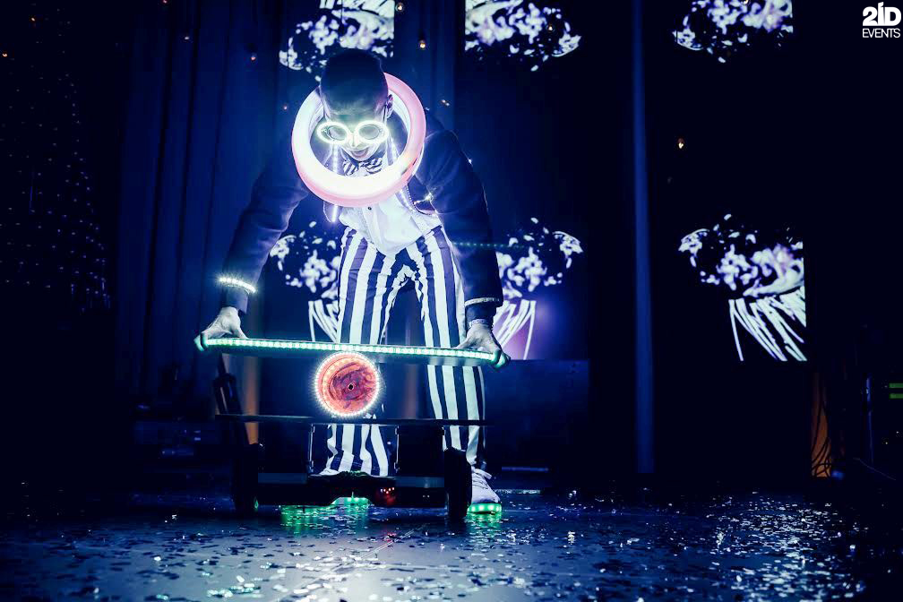 LED Juggler for carnivals