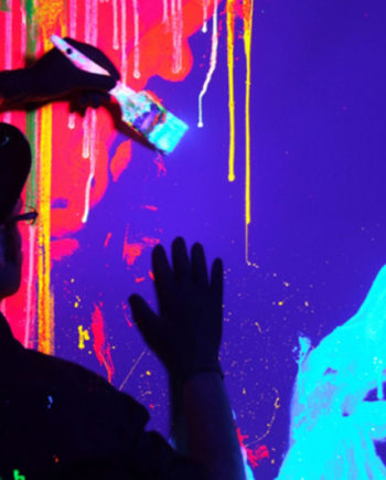 Neon Speed Painter in the UAE