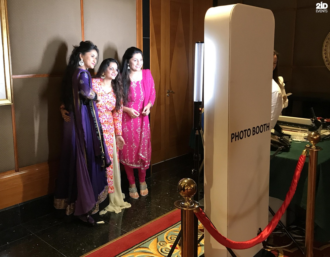 PHOTO BOOTHS FOR WEDDING RECEPTION