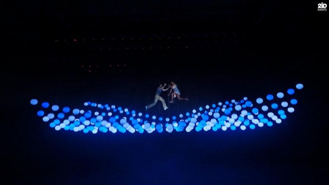FLOATING IN LIGHTS DUO FOR THE CORPORATE EVENT