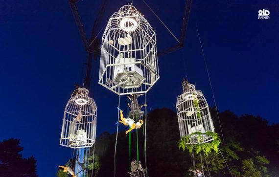AERIAL THEATRICAL SHOW FOR STREET EVENTS