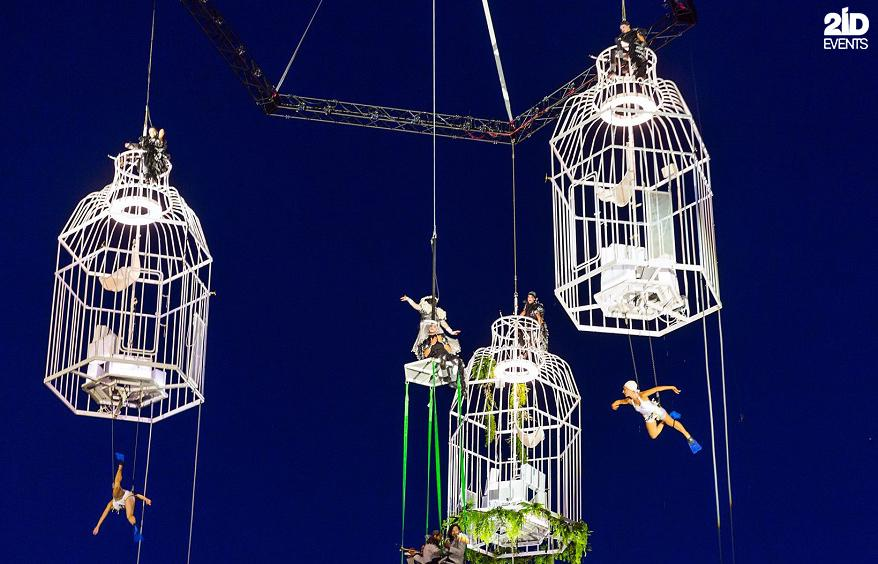 AERIAL THEATRICAL SHOW FOR CONCERTS