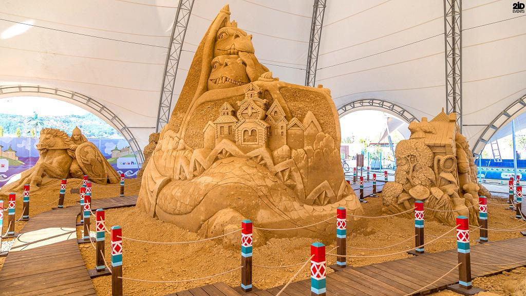MALE SAND SCULPTURE ARTIST FOR ANUUAL EVENTS
